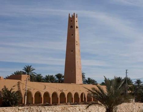 المئذنة التقليدية لمساجد المزابيين